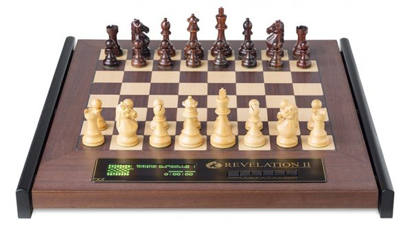 Schachcomputer: Revelation II mit Figuren Royal